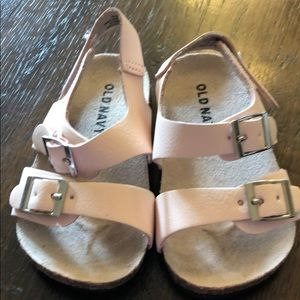 Old Navy pink sandals size 12-18 months